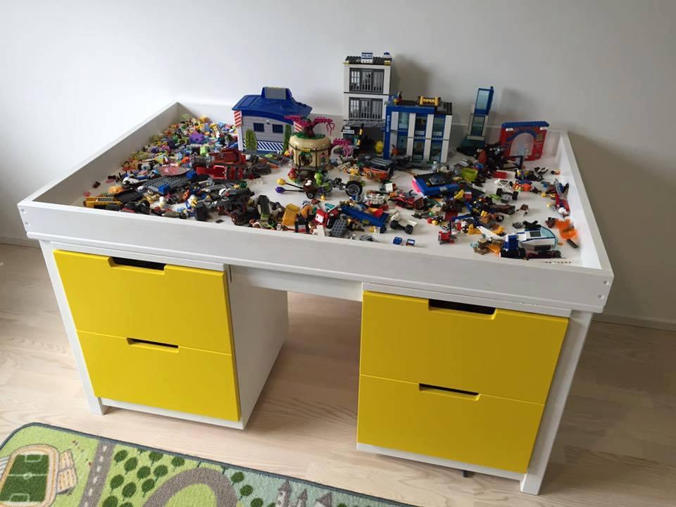 pöytä legoille