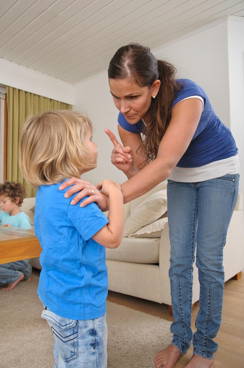 äiti komentaa lastaan