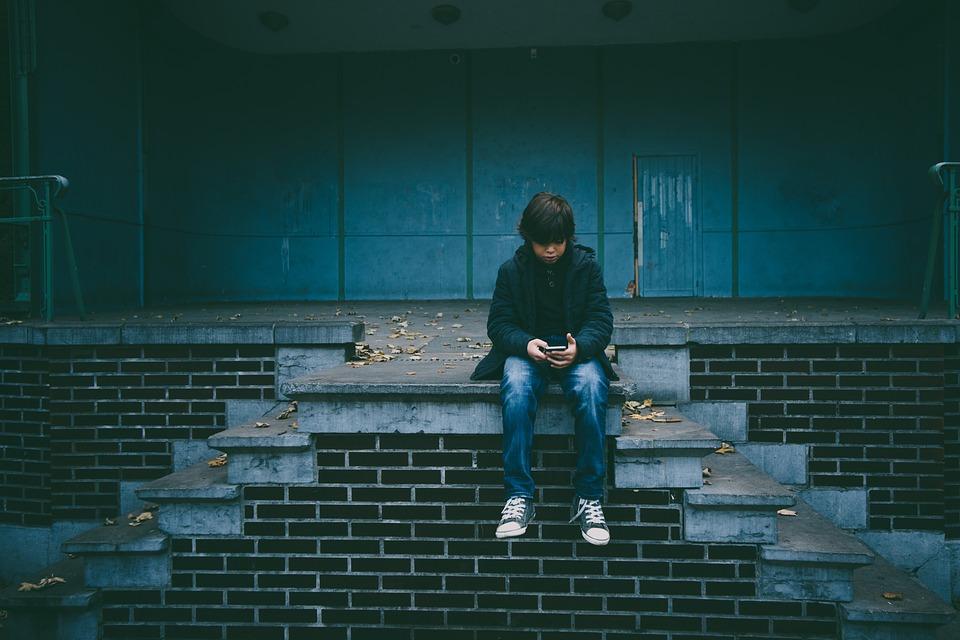 Yksinäinen poika