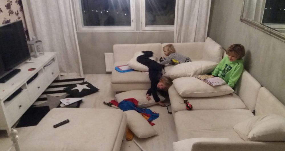 olohuone ja lapset