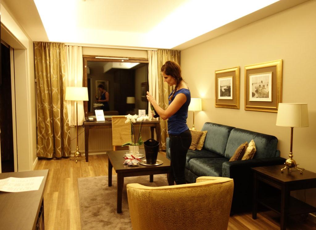 Parisuhde hotelli
