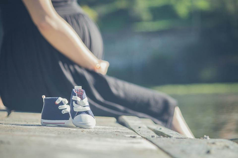 Lukijan kirjoitus: Äidiksi seksuaalisen hyväksikäytön jälkeen