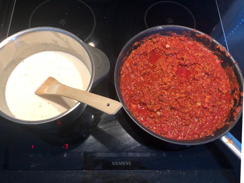 Lasagnen jauhelihakastikkeen voi korvata Mifu jauhis -kastikkeella