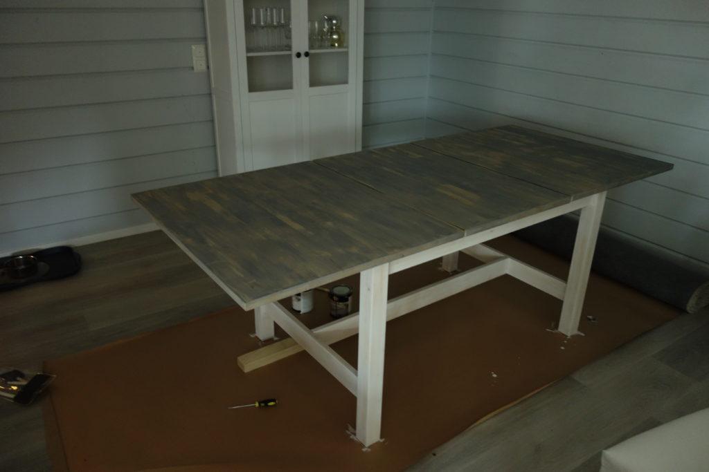 tuunattu pöytä