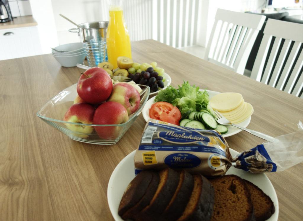 lapsiperheen aamupala