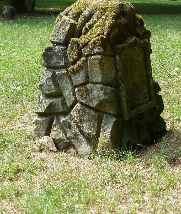Mihin isi hautasi Teuvo Hakkaraisen?