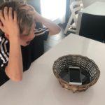 Haaste pojille: viikko ilman puhelimia