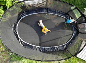 Parhaan menomestan saa omalle pihalle – panosta kunnon trampoliiniin