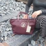 Merkkilaukku vai kangaskassi? Mitä käsilaukkusi kertoo sinusta?
