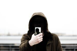 Nuoren runsas kännykän käyttö voi lisätä henkistä hyvinvointia
