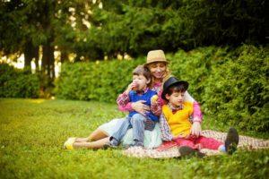 10 vinkkiä, kuinka luoda läheinen suhde lapseen