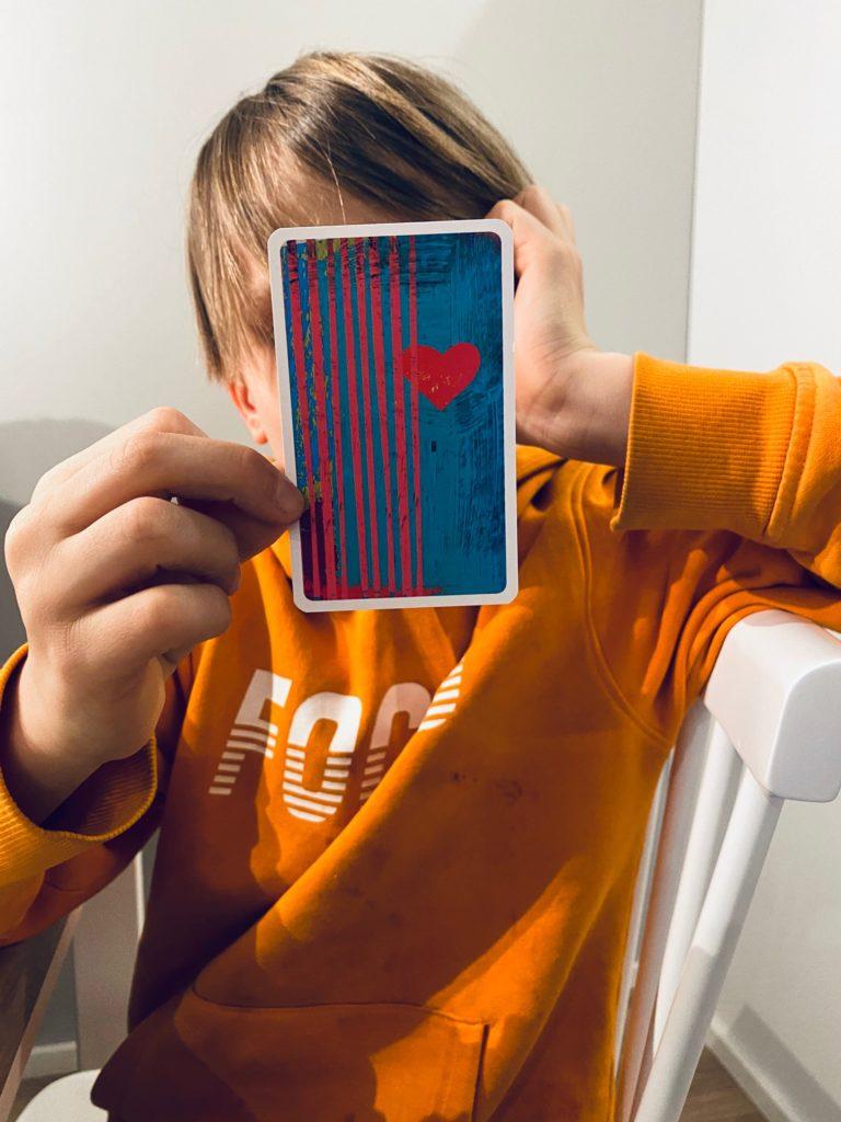 kortit kannustavat mielikuvituksen käyttöön