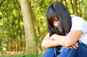Paniikkihäiriö vangitsee kotiin ja eristää yhteiskunnasta