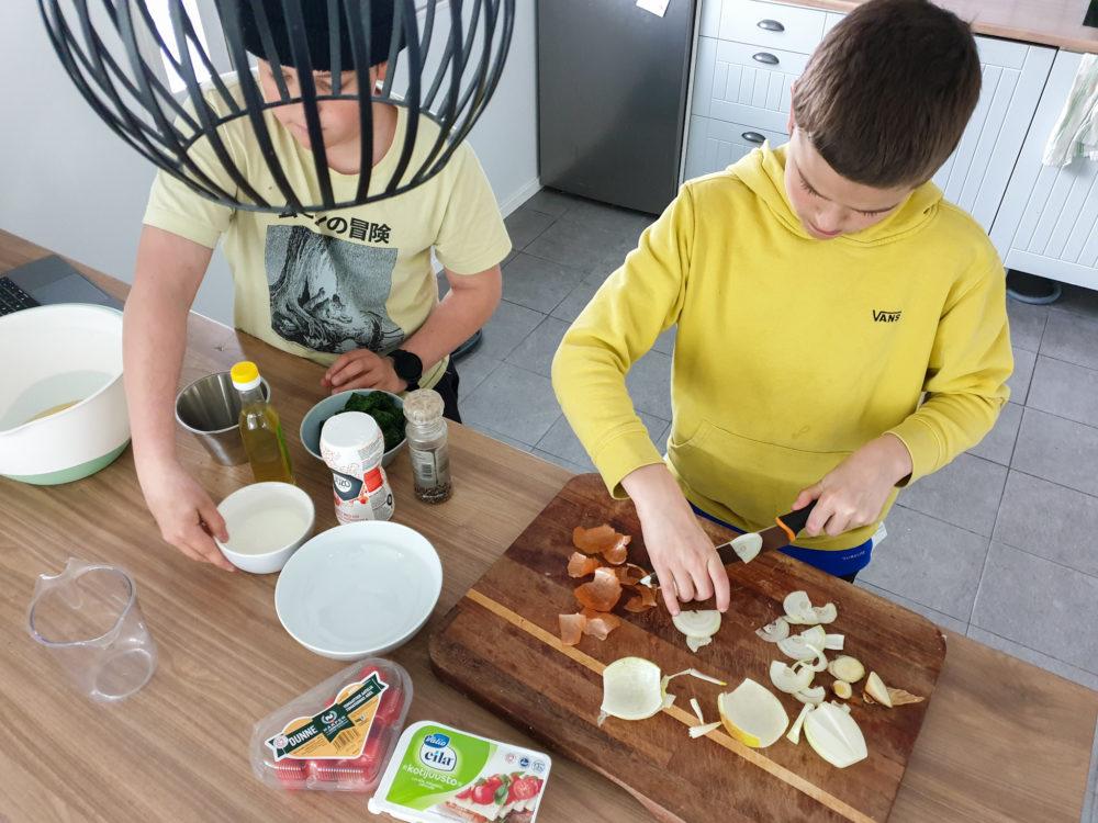 You are currently viewing Teinit kokkaamaan! Nuorten suosikkireseptit