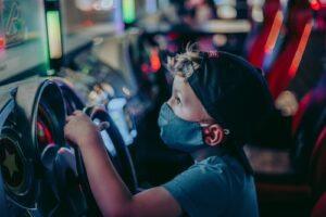Maskin käyttöönotto lapsille, ei ole yksinkertaista -Tuleeko maskisuositus ja minkä ikäisille?