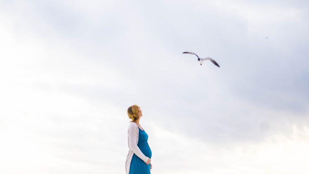 Tutkimus: Yli puolet kolmikymppisistä naisista lapsettomia