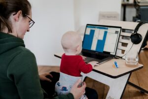 Työn, opiskelun ja lapsiperhearjen yhdistäminen -miten se onnistuu?