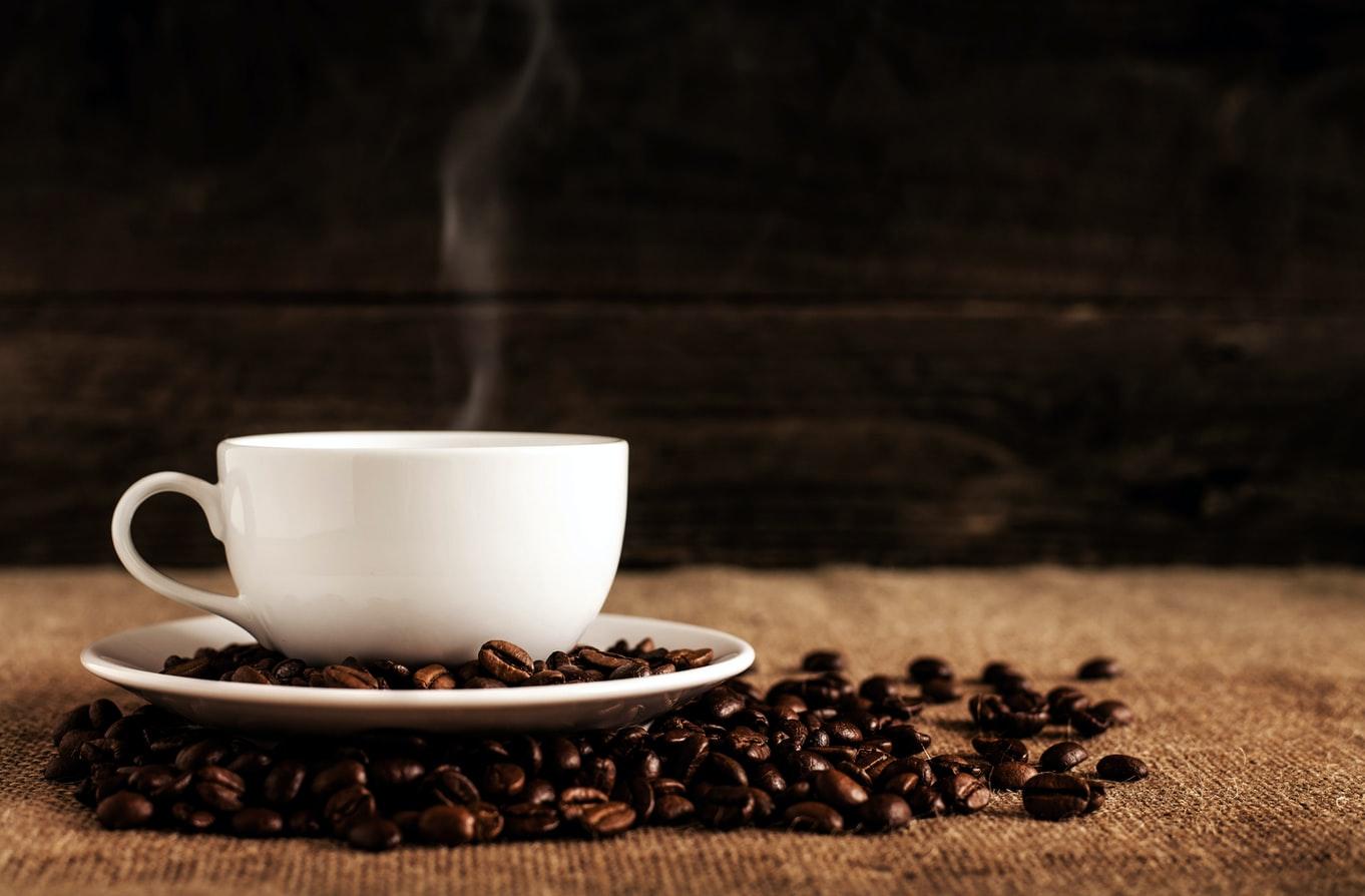 Kahvin historia -kahvinkeitto oli aluksi miesten hommaa