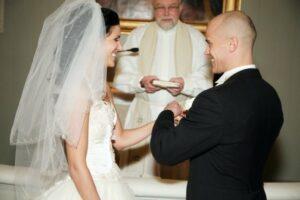 Ollappa naimisissa yhtä pitkään kuin Elisabet ja Philip
