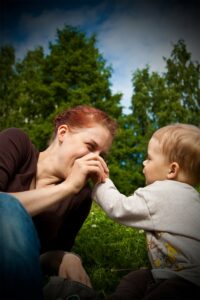 Vauva arjen haasteita yksin ja yhdessä