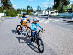 Read more about the article Lapsen pyöräilyvarusteet, muista tärkeimmät