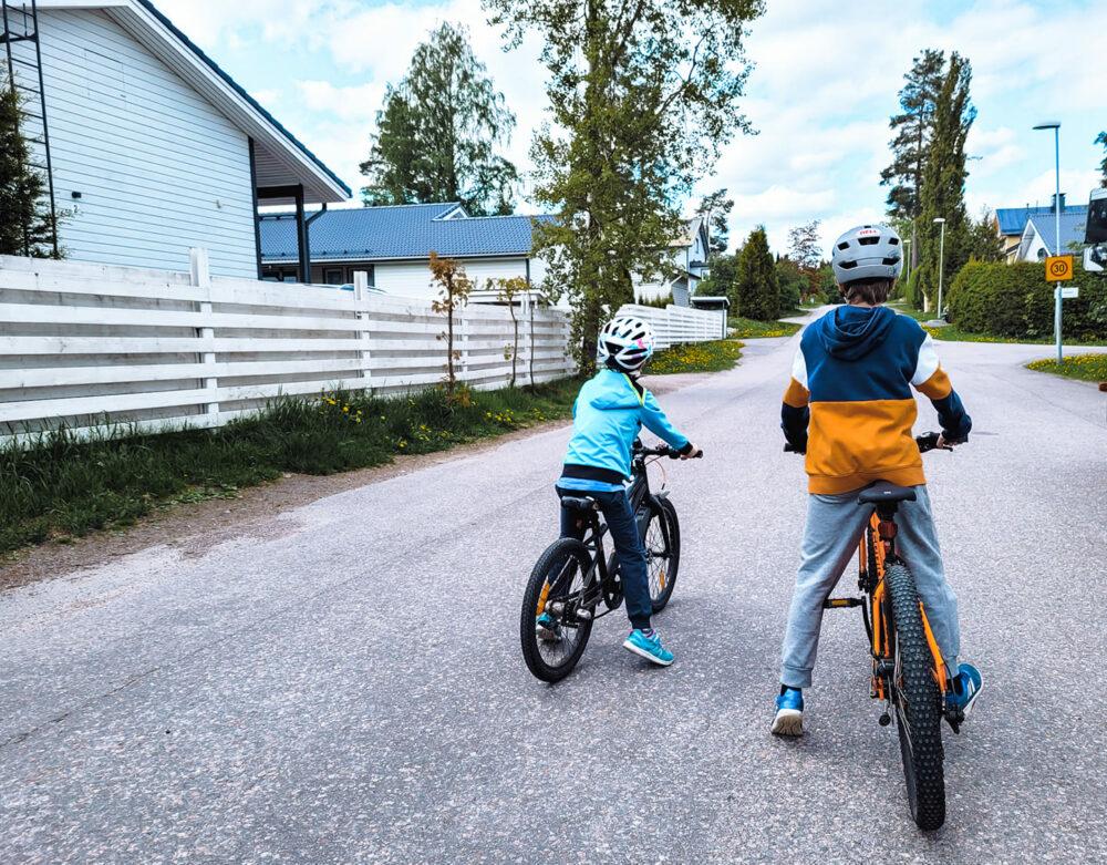 pyöräilyvarusteet lapsille
