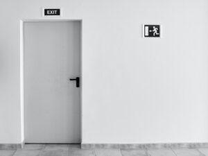 Read more about the article Eli opetetaanko se poika pitämään ovea auki vai ei?