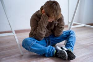 Read more about the article Miten tunnistaa lapsen masennus?