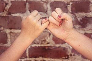 Read more about the article Aikuisten ystävyyteen kuuluu suora puhe