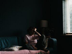 Read more about the article Oletko väsynyt olemaan se kireä ja ärtynyt äiti?