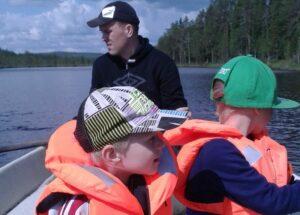 """Read more about the article """"Äiti äiti"""" on nyt """"isi isi"""" – Nauti nyt kun voit!"""