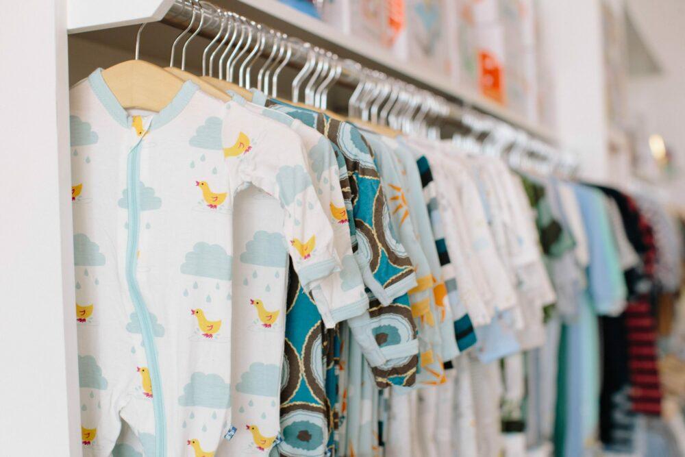 You are currently viewing Miten valita lapselle oikeankokoiset vaatteet?